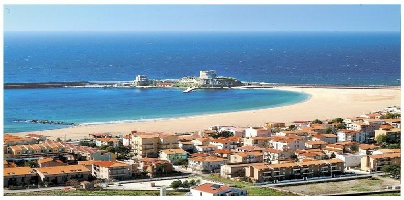 Cartina Sardegna Bosa Marina.Veduta Di Bosa Marina Con La Torre Aragonese Sardegna Pleinair Campeggi E Villaggi In Sardegna