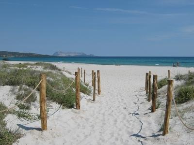 Budoni spiagge e mare cristallino sardegna pleinair for Sardegna budoni spiagge
