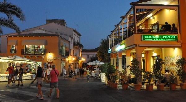 San teodoro by night sardegna pleinair campeggi e for Villaggi san teodoro