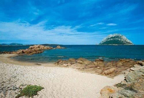Vacanze e campeggi e villaggi sardegna for Villaggi san teodoro