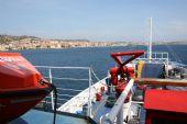 in traghetto verso La Maddalena