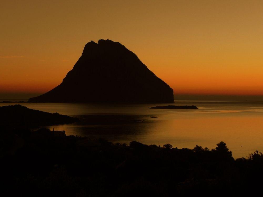 alba sull'isola di Tavolara