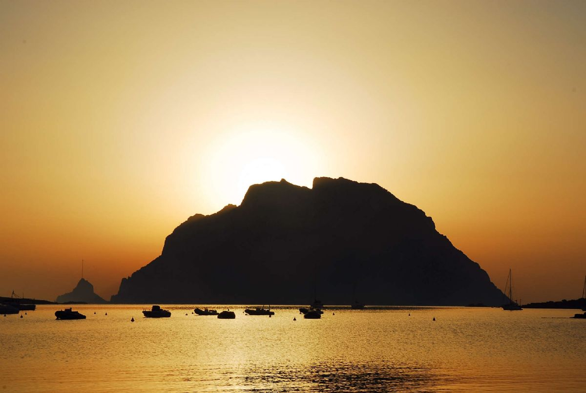 tramonti sull'isola di Tavolara