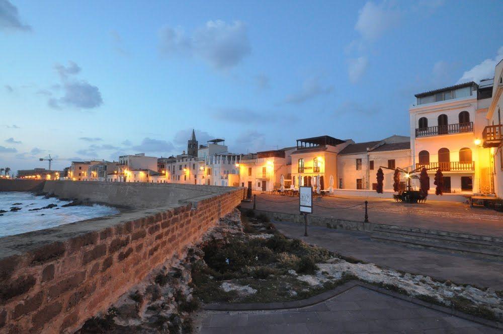 Bastioni di Alghero al tramonto