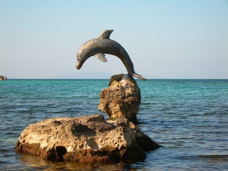 Porto Torres - scultura sul mare