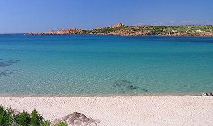 Cartina Sardegna Isola Rossa.Spiaggia Isola Rossa Costa Paradiso Sardegna Pleinair Campeggi E Villaggi In Sardegna