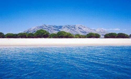 Spiaggia Isporoddai