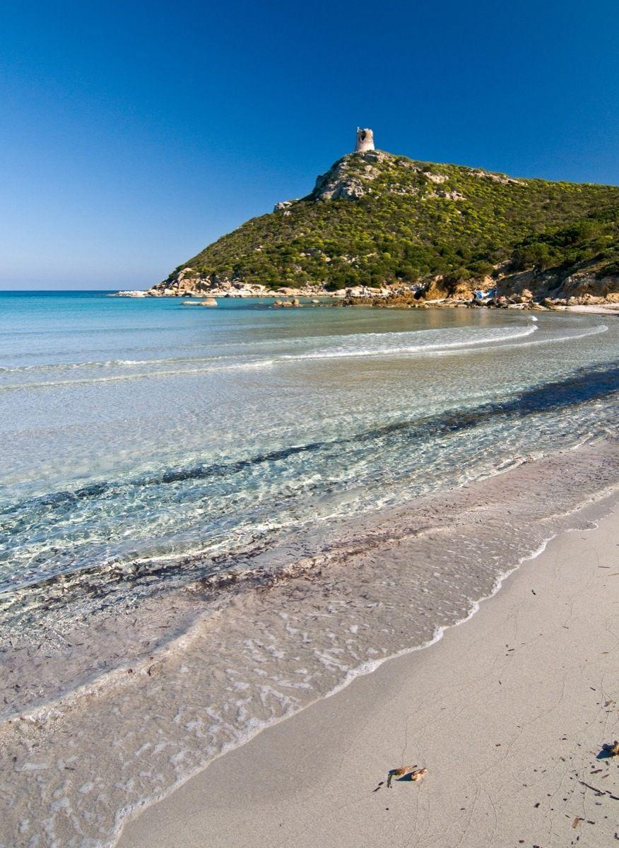 Spiaggia del giunco nel territorio di villasimius for Disegni della casa sulla spiaggia